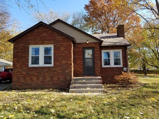 Traditional,Bungalow / Cottage, Residential - East Alton, IL