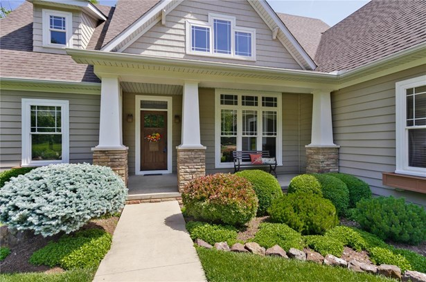 English,Traditional,Bungalow / Cottage, Residential - Grafton, IL (photo 3)