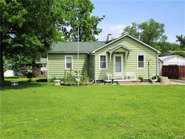 Bungalow / Cottage, Residential - Wood River, IL
