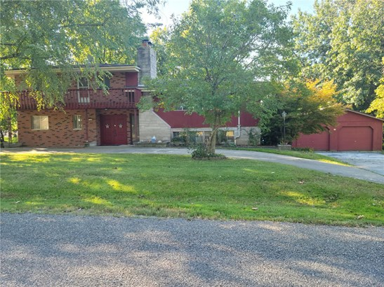 Traditional,Quad-level, Residential - Glen Carbon, IL