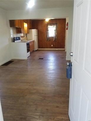 Bungalow / Cottage, Residential - Alton, IL (photo 4)