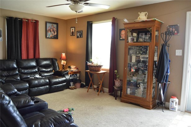 Bungalow / Cottage, Residential - Alton, IL (photo 2)