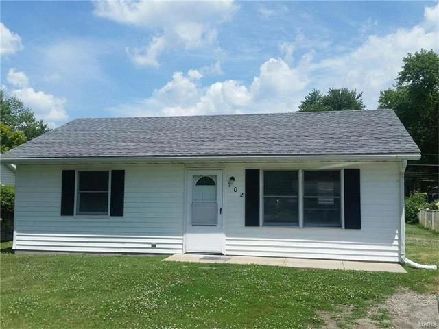 Traditional,Bungalow / Cottage, Residential - South Roxana, IL (photo 1)