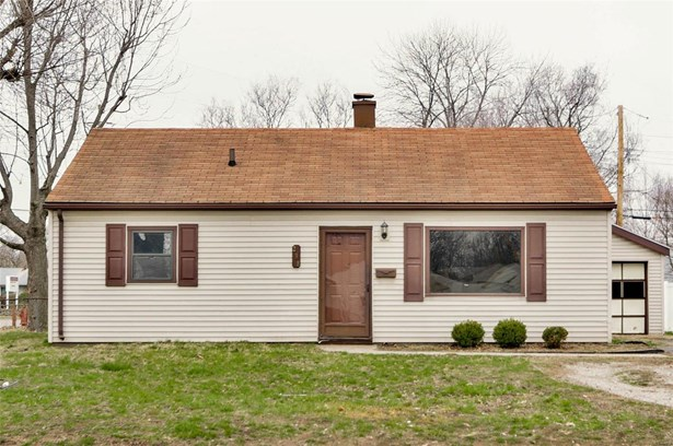 Bungalow / Cottage, Residential - Wood River, IL (photo 1)