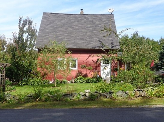 Farmhouse, Single Family - Benton, NH (photo 3)
