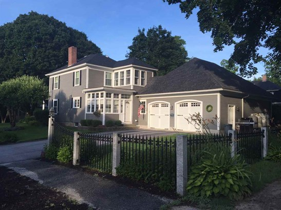 Colonial,w/Addition, Single Family - Plymouth, NH (photo 3)