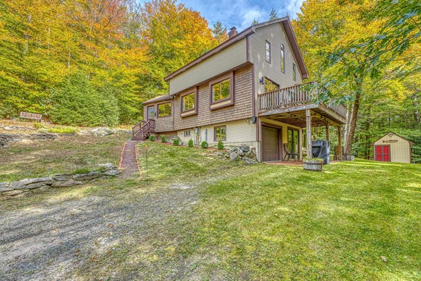Contemporary,Multi-Level,Walkout Lower Level, Single Family - Groton, NH