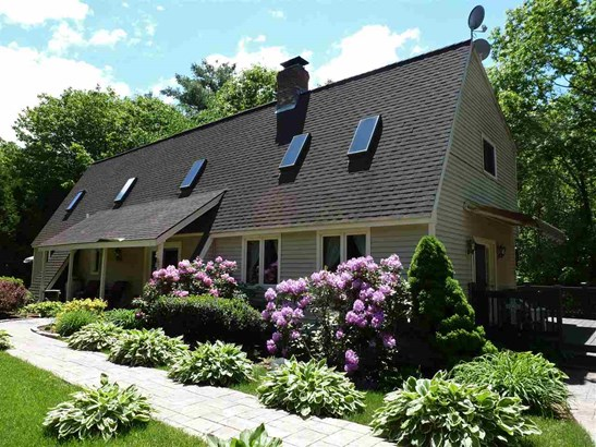 Contemporary,Walkout Lower Level, Single Family - Campton, NH (photo 1)