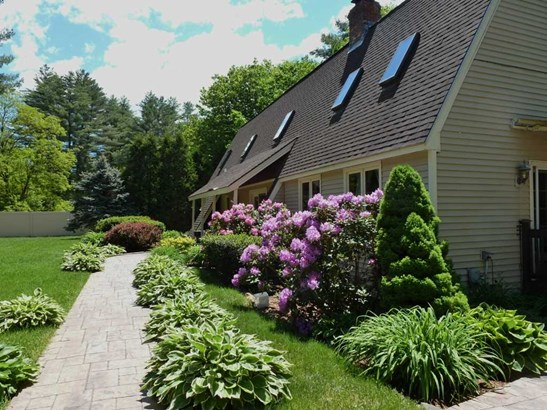 Contemporary,Walkout Lower Level, Single Family - Campton, NH (photo 2)