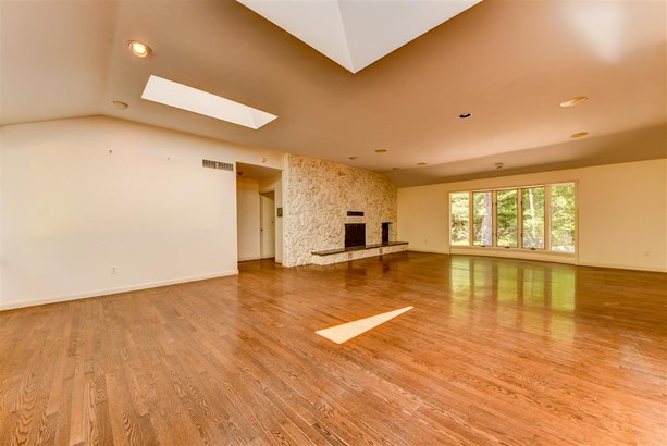 Contemporary,Walkout Lower Level, Single Family - Easton, NH (photo 4)