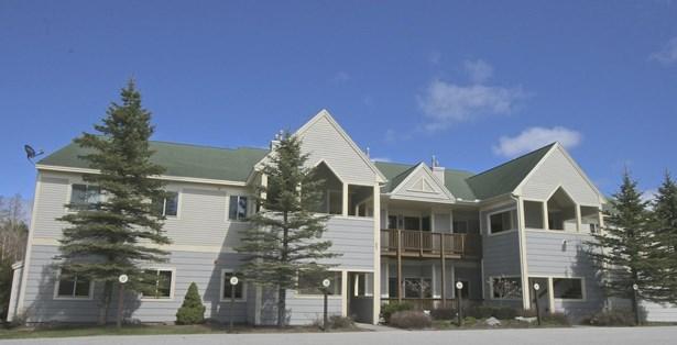 End Unit,Flat,Garden,Top Floor, Condo - Carroll, NH (photo 1)
