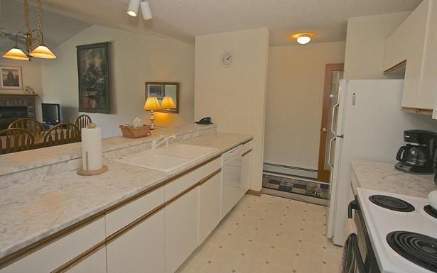 End Unit,Flat,Garden,Top Floor, Condo - Carroll, NH (photo 4)