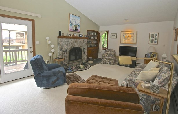 Townhouse,Walkout Lower Level, Condo - Carroll, NH (photo 4)