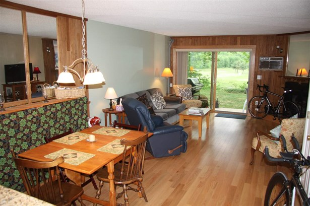 Townhouse, Condo - Ashland, NH (photo 3)