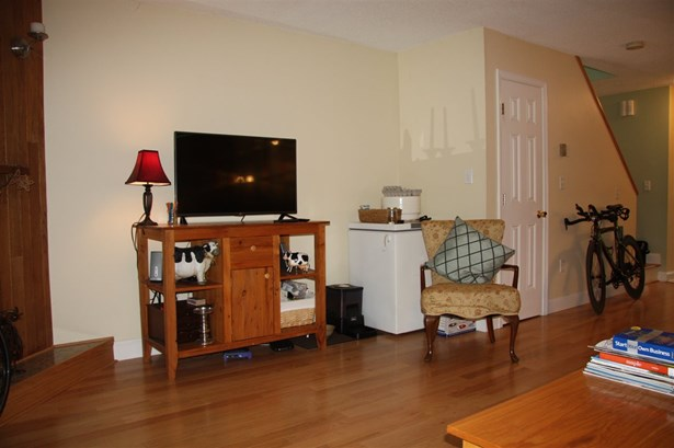 Townhouse, Condo - Ashland, NH (photo 5)