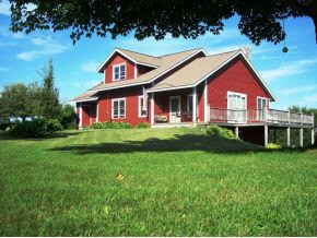 Contemporary,Multi-Level,Walkout Lower Level, Single Family - Littleton, NH (photo 2)