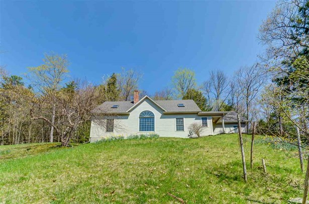 Contemporary,Multi-Level, Single Family - Waterford, VT (photo 2)