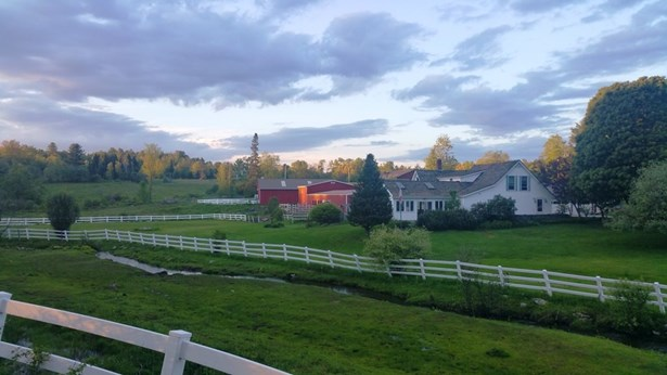Farmhouse, Single Family - Bethlehem, NH (photo 3)
