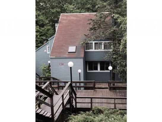 Townhouse, Condo - Campton, NH (photo 2)