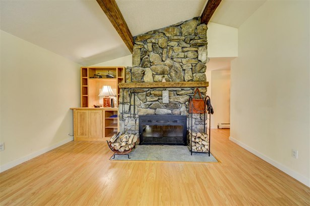 Contemporary,Multi-Level,Ranch, Single Family - Littleton, NH (photo 4)