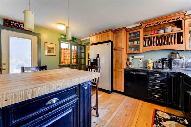 Farmhouse, Single Family - Plymouth, NH (photo 3)