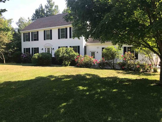 Colonial, Single Family - Concord, NH (photo 1)