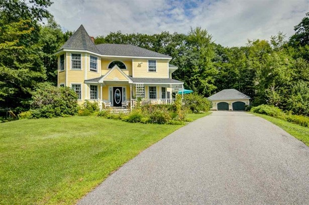 Colonial, Single Family - Plymouth, NH