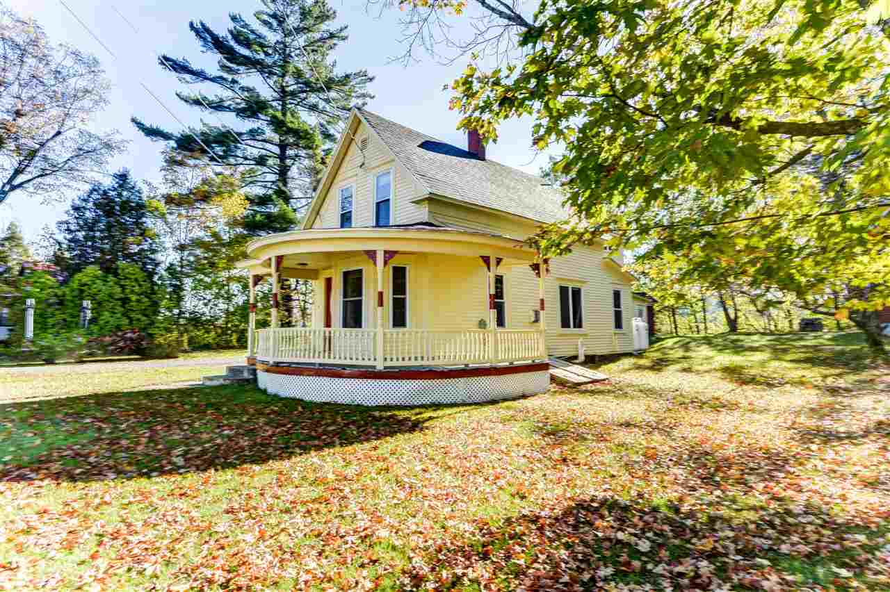 Cottage/Camp,Farmhouse, Single Family - Littleton, NH (photo 1)
