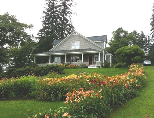 Craftsman, Single Family - Whitefield, NH (photo 1)
