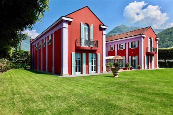 Bellinzona - CHE (photo 2)