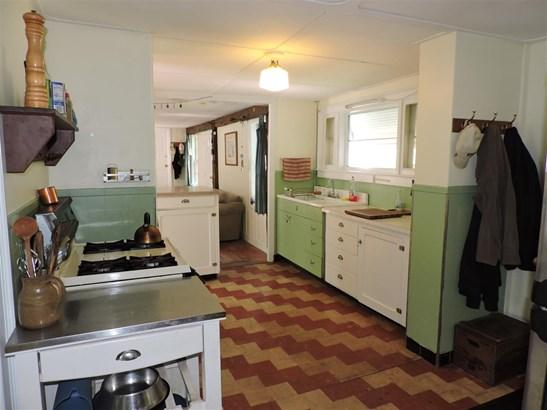 Cape,w/Addition, Single Family - Hopkinton, NH (photo 3)