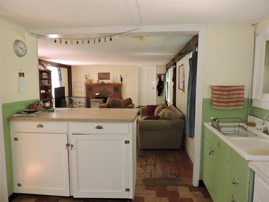 Cape,w/Addition, Single Family - Hopkinton, NH (photo 4)