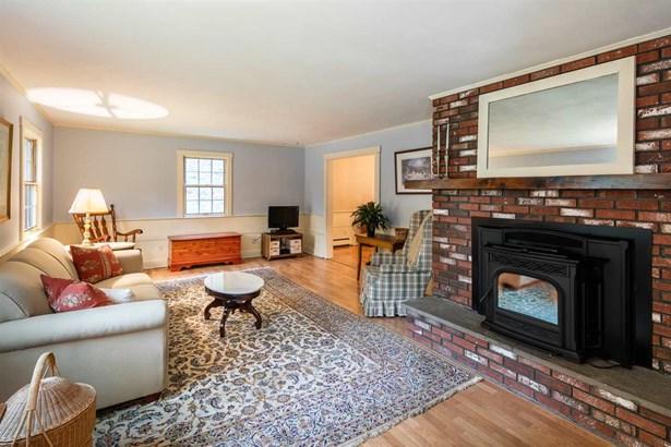 Colonial,Garrison, Single Family - Hopkinton, NH (photo 4)