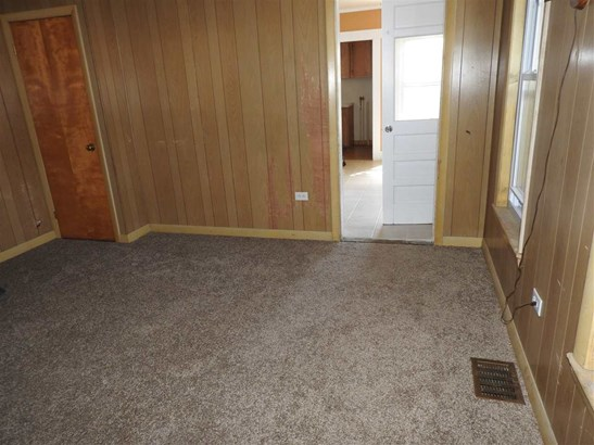 Apartment, New Englander - Concord, NH (photo 4)