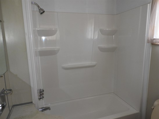 Apartment, New Englander - Concord, NH (photo 5)
