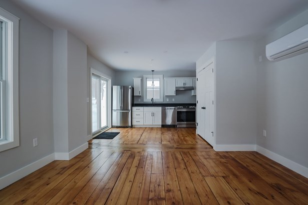 Condo, Conversion,Multi-Level,New Englander,Townhouse - Hopkinton, NH