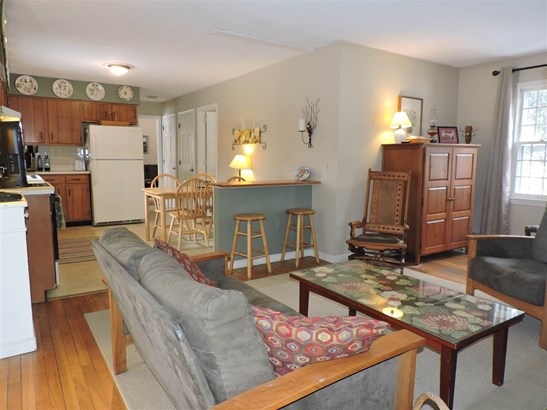 Colonial,w/Addition, Single Family - Hopkinton, NH (photo 4)