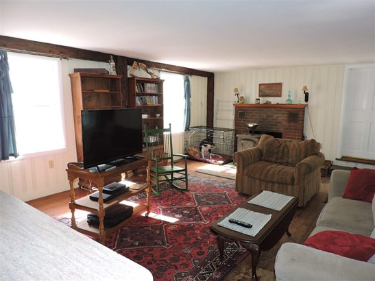 Cape,w/Addition, Single Family - Hopkinton, NH (photo 2)