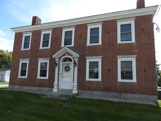 Colonial, Single Family - Pembroke, NH (photo 1)