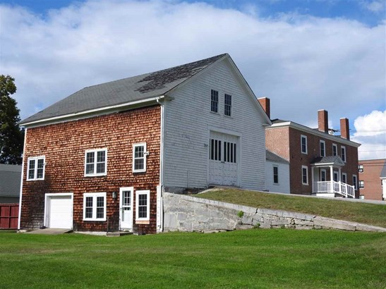 Colonial, Single Family - Pembroke, NH (photo 5)