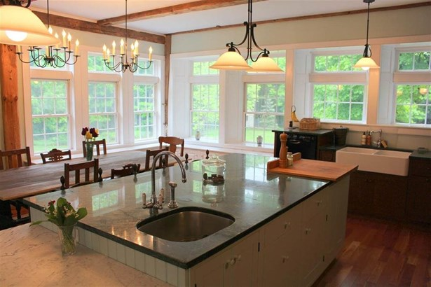 Colonial, Single Family - Deerfield, NH (photo 4)