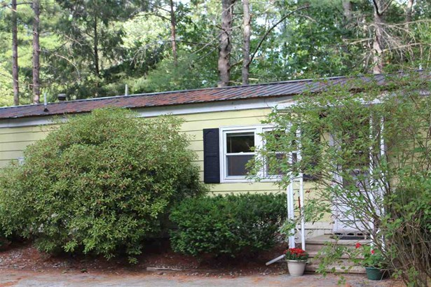 Mobile Home, Manuf/Mobile - Hopkinton, NH (photo 1)