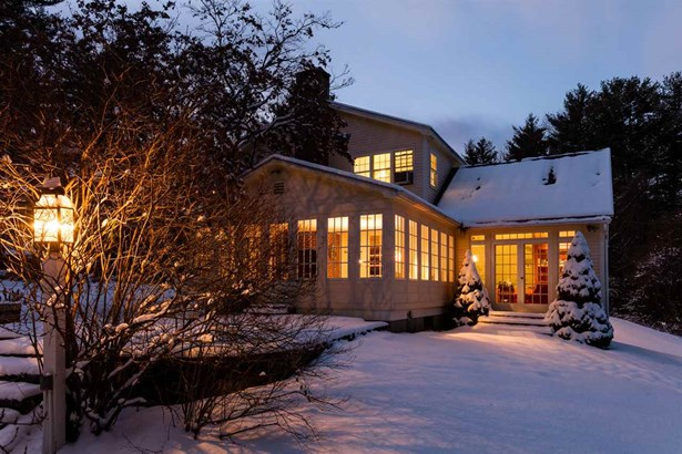 Colonial,w/Addition,Walkout Lower Level, Single Family - Hopkinton, NH (photo 1)