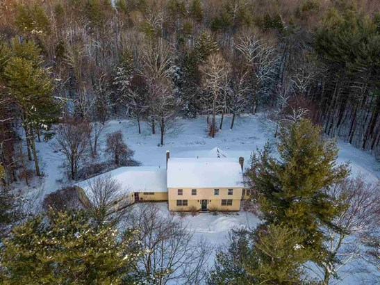 Colonial,w/Addition,Walkout Lower Level, Single Family - Hopkinton, NH (photo 2)