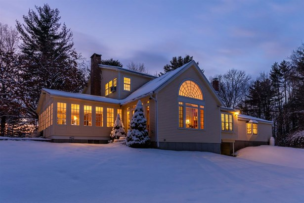 Colonial,w/Addition,Walkout Lower Level, Single Family - Hopkinton, NH (photo 3)