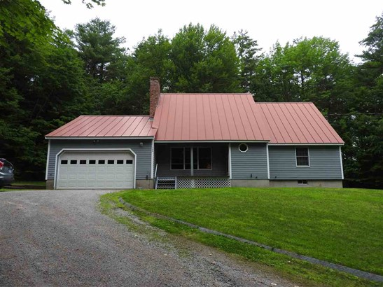 Cape, Single Family - Henniker, NH (photo 2)