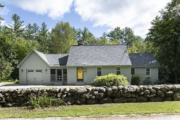 Cape,w/Addition,Walkout Lower Level, Single Family - Hopkinton, NH