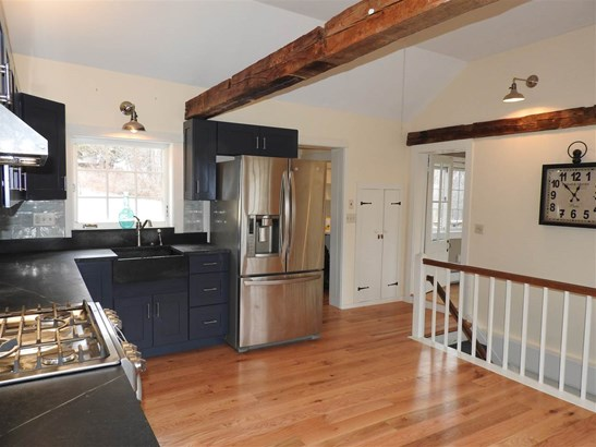 Cape, Single Family - Hopkinton, NH (photo 5)
