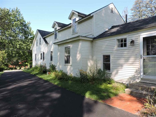 Antique,Cape, Single Family - Hopkinton, NH (photo 1)
