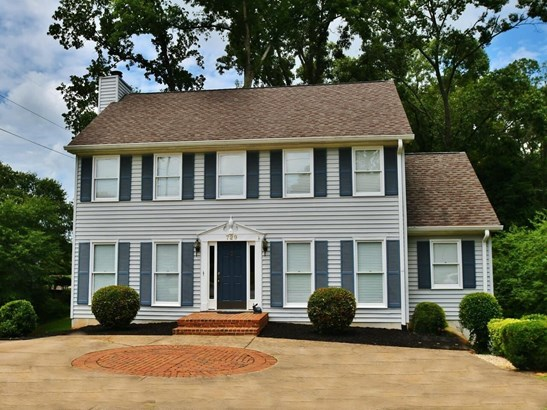 Single Family Residence, Traditional - Gainesville, GA